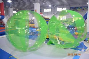 Green Color Inflatable Water Walker For Water Park