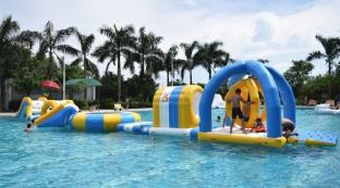 Inflatable Floating Water Park Games For Pool Or Rental Business