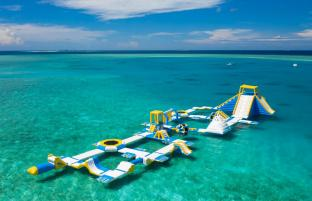Maldives 125 People Inflatable Floating Water Park Made By Bounica
