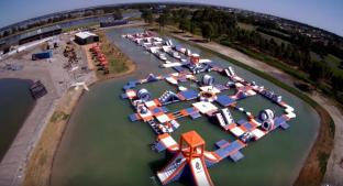 250 People Giant Inflatable Water Park Games With TUV Certification / Inflatable Wipeout Course For Sale