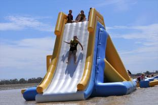 Bouncia New Giant Inflatable Floating Water Slide For Lake